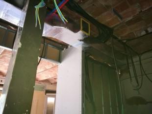 Instalación por conductos 10.000 frigorías en piso de 100m2
