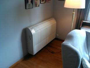 Unidad de suelo de 4.300 frigorías, split en dormitorio