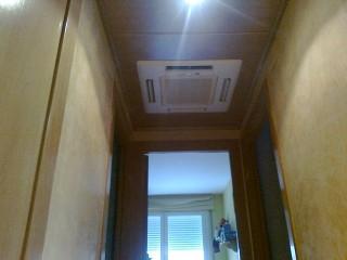 Mitsubishi Electric inverter cassette empotrado en piso para dsitribución en 3 habitaciones y pasillo