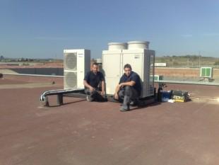 Instalación de equipos Panasonic industriales para oficinas con potencia de 60KW de gran capacidad