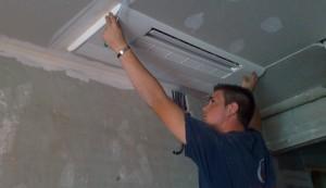 ¿Instaladores de aire acondicionado barato o caro?